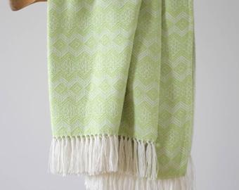 Peruvian Alpaca Traditional Blanket: Lime Green & White