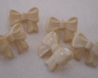 Set of 5 VINTAGE Small Cream White Plastic Bow BUTTONS