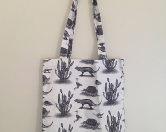 Galapagos Islands Toile Everyday Carry Tote bag