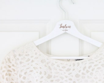 Personalized coat hanger with name for bridal gown/Wedding Witness/Birthday present/Bridesmaid/