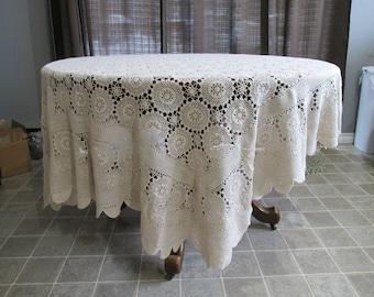 "CT-3 Vintage Hand Crochet Tablecloth Pinwheel Snowflake Ivory Oval  62"" x 84"""