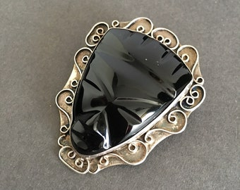 VINTAGE BROOCH PIN Mexican Silver Onyx Tribal Face with Scroll Feature Pendant