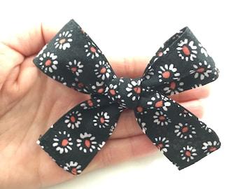 Black Daisy Bow