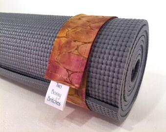 Yoga Mat Strap, FREE SHIPPING, Batik Fabric, yoga gifts, yoga accessories, pilates mat strap, yoga lovers gift, minimalist yogini