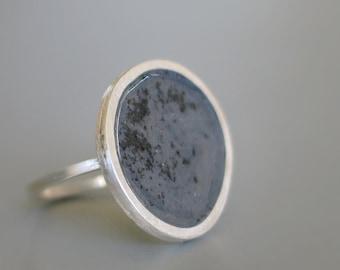Black dust in Grey sterling silver Ring