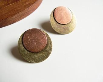 earrings studs, studs gold, geometric earrings stud, mixed metal earrings, disc copper earrings, artisan jewelry, lucialaredo
