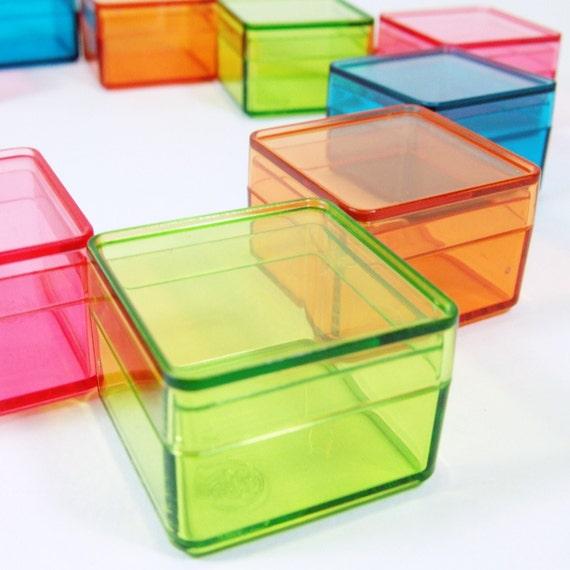 10 dozens wholesale tiny color square plastic boxes. Black Bedroom Furniture Sets. Home Design Ideas