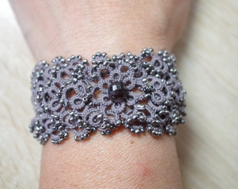 "Tatted Pendant and Bracelet ""Karen"" - tatting pattern"