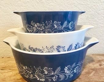 Pyrex blue colonial mist casserole set 3 piece handled bowls farmhouse decor, cottage vintage american