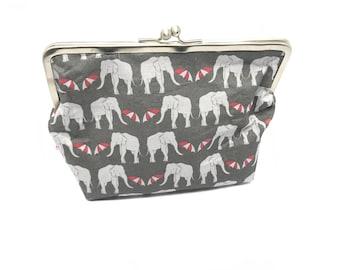 Metal frame kiss lock purse Elephants