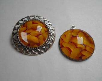 set 2 pieces yellow pendant and brooch