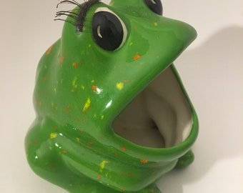 Vintage Ceramic Frog With Lashes