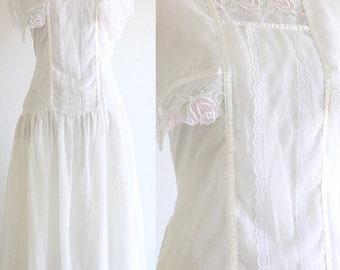 Vintage 1960s Gunne Sax Dress / White Lace / Floral / Drop Waist / Cotton Blend / Ivory Midi Dress / 60s Clothing