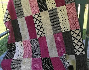 Modern throw quilt