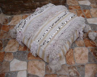 Beautiful wedding blanket pouf