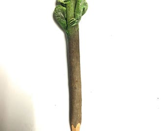 Frog Pencil - Amazing Pencil - 7.5 inches long - Green - Birthday Present - Unique - Rare Item - Gifts - ONLY 1 IN STOCK