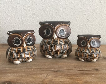 Vintage Set of 3 Wooden Owl Figurines • Family of Owls Statue • Carved Wood Owls