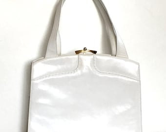 Vintage 60s exquisite white patent leather Kelly bag with distinctive clasp by Waldybag made in England