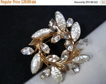 ON SALE Rhinestone Brooch - Vintage Flower Pin - 1950's 1960's Hard To Find Rare Collectible Jewelry - High End Mid Century