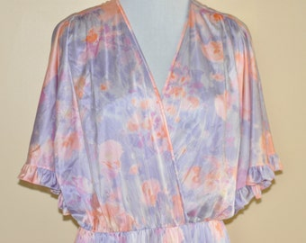 Vintage Women's Robe Floral  Womens Pajamas Made in USA