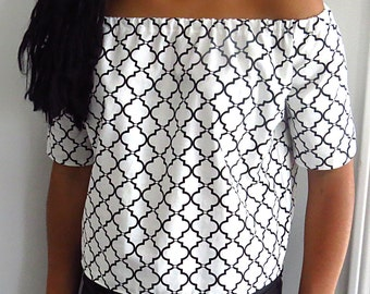 Off the shoulders top, black and white shirt, spring tops, summer tops, gift ideas, trendy women's clothing