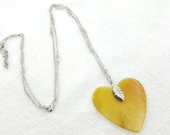 Polished Agate Heart Necklace Smooth Natural Stone