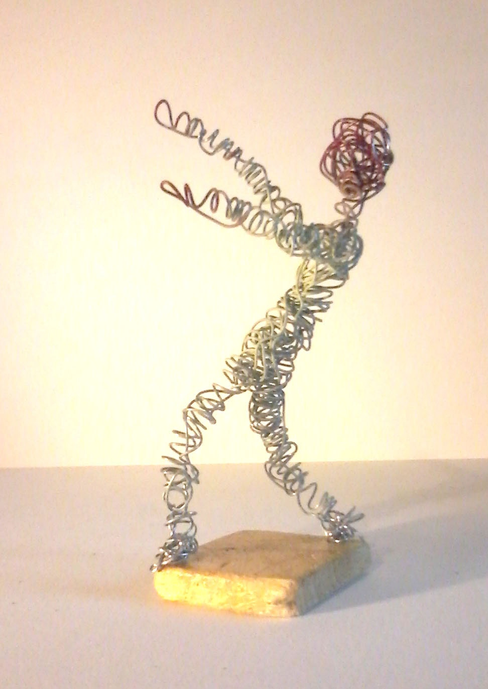 wire zombie sculpture made from aluminum metal wire art