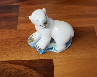 Wade Whimsie Polar Bear On A Blue Base From Set Six Polar Animals Issued 1956 - 59