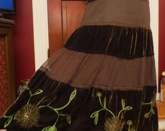 Long Brown Velvet Embroidered Flower Skirt, Size 4 Witchy Bohemian Renaissance