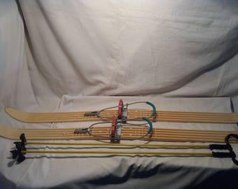Vintage Plastic Ski & Plastic Ski Poles - Junior's Size - NEW.Brand:GERMINA - Rennsteig - DDR.