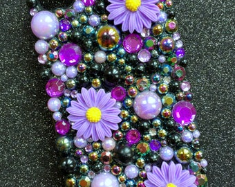Lilac Daisy Pre-made case for the iPhone 4/4s