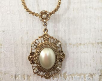 Gorgeous Vintage antique brass and Pearl Cameo Filigree necklace