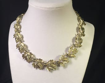 Vintage Lightest Gold Tone Choker Necklace, 4 Leaves on Each Link, 12 Links, 1970's, Quality Construction.