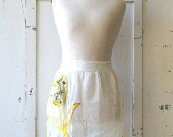 vintage sheer white with yellow and green floral fabric pocket apron floral yellow/white/green tulip shabby chic apron