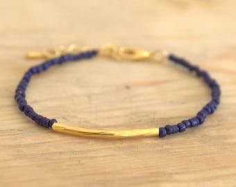 Bracelet seed beads - dark blue color and gold - boho chic - delicate and feminine Bracelet