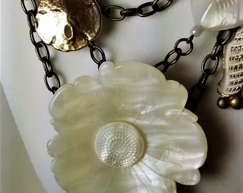 MJ-123 Cream and Gold By the Sea Necklace