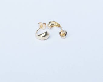 9ct gold stud earrings, gold stud earrings, tiny gold studs, tiny gold earring, gold studs, studs, yellow gold studs, I3SF4844