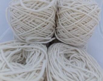 White yarn, off white yarn, wool yarn, knitting yarn, crochet yarn, cheap yarn, natural yarn, yarn lot, worsted yarn, aran yarn, medium yarn