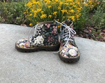 Very Rare Vintage 90's Child's Dr Martens Boots Floral Docs Girls Doc Marten Boots Original Ankle Boots E