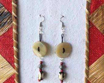 Natural Horn and bone batik - 3406 bud earrings