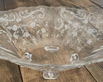 Lovely Vintage Cambridge Chantilly Crystal Fruit Bowl