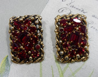 Vintage Signed BARCLAY Red Rhinestone & Antiqued Gold Tone Clip Earrings Set    PJ53