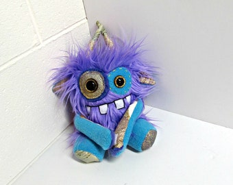 Plush Monster - Handmade Monster Plush - Cute Monster Toy - Lavender Purple Faux Fur Monster - Hand Embroidered Soft Monster Toy - Weird Toy