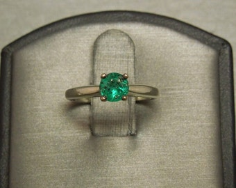 Vintage Estate C1970 14K White Gold 0.50ct Round Rich Intense Green African Emerald Solitaire Engagement Ring Sz 4.5