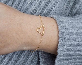heart outline bracelet,open heart,hollow heart bracelet,infinite love,couple bracelet,Valentine's Day gift,anniversary gift,bridesmaid gift