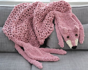 Chunky knit blanket, chunky animal fox blanket, chunky knit rug, chunky knit throw, chunky throw, arm knit blanket, light pink blanket.