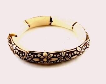 Black and Cream Celluloid Stretch Bangle Bracelet Vintage 1940 Bangle Stretch Celluloid Bangle Asian Theme Bangle