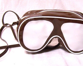 "Vintage purse in vinyl ""Glasses"" Brown and white with shoulder strap"
