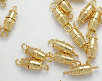 Gold's clasp
