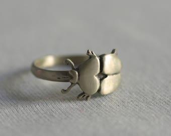 scarab ring - no me moleste mosquito